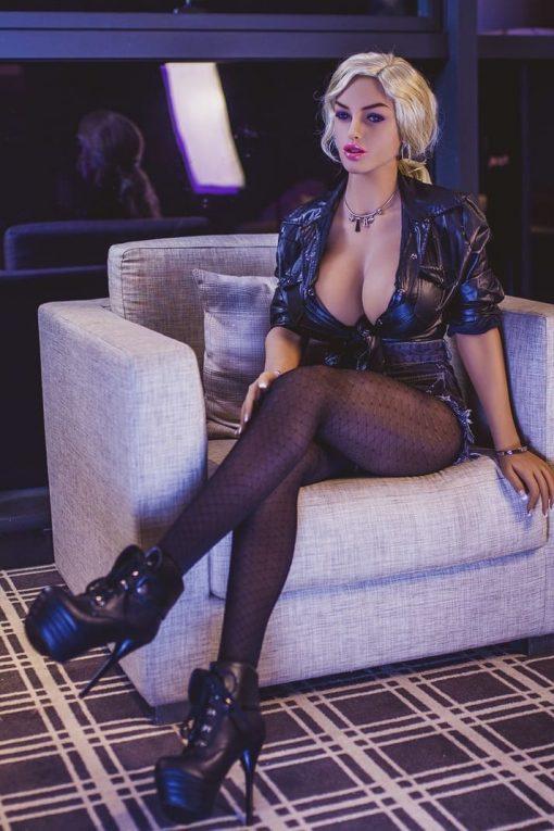 Nayla Sexpuppe - Sexpuppen von Villabagio - Real Sex Dolls